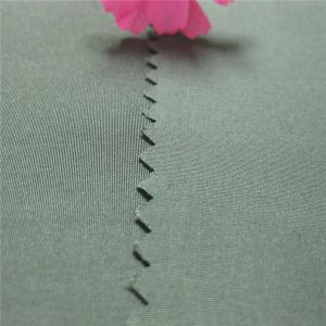 حار بيع قماش حريري النسيج 100 ٪ البوليستر مصبوغ نسيج قماش حريري 190T
